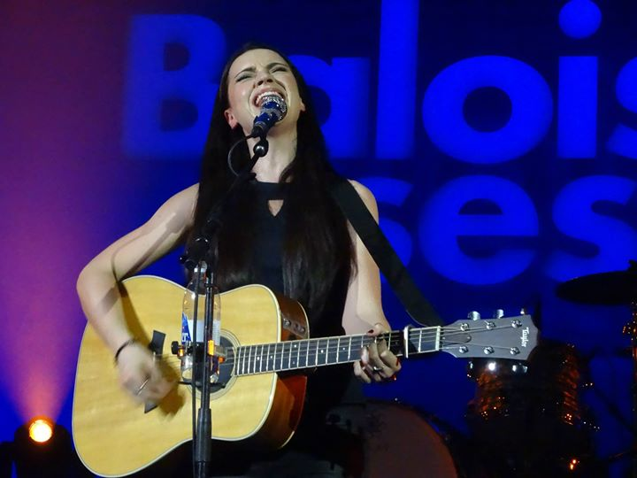 amy macdonald k ndigt endlich neues album an. Black Bedroom Furniture Sets. Home Design Ideas
